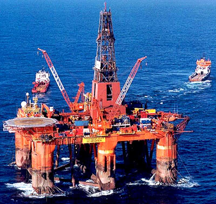 Transocean Searcher semisubmersible drilling rig