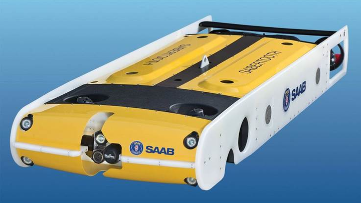 The Sabertooth double-hull can roam free for up to 40 mi., is depth-rated to 3,000 m and has 360° orientation.