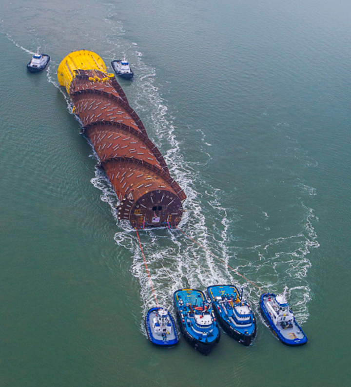 The hull of the Gulfstar One FPS is towed out to the deepwater Gulf of Mexico. (Photo source: Business Wire)