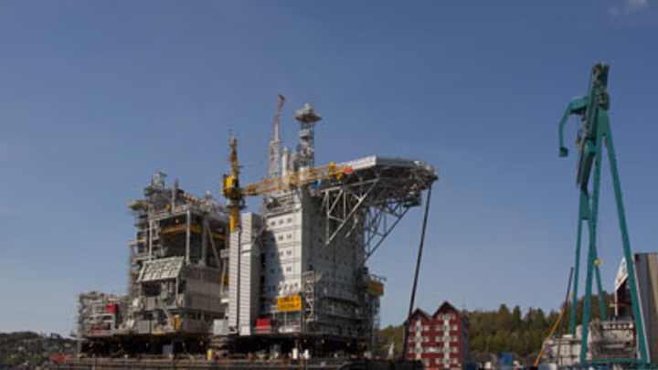 ConocoPhillips Skandinavia's new Eldfisk 2/7 S production platform topsides