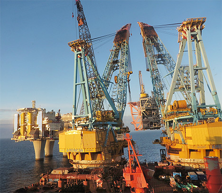 The compressor module was lifted into place by Saipem 7000, one of the world's largest heavy lift vessels.