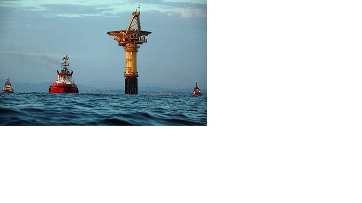 A new loading buoy is towed to its Gullfaks destination.