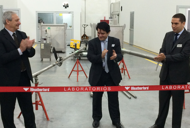 A ribbon-cutting ceremony marks the opening of Weatherford's new lab facility in Bogotá, Colombia.