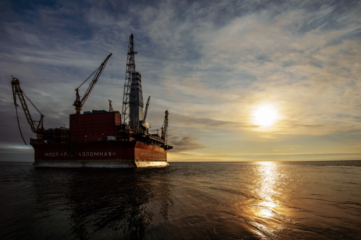 Prirazlomnoye is the world's first project involving oil extraction on the Arctic shelf via a stationary platform.