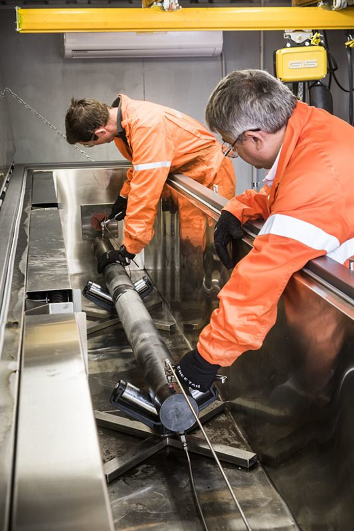 New ISO test facilities provide a controlled environment for downhole plug testing under extreme conditions for prolonged periods.