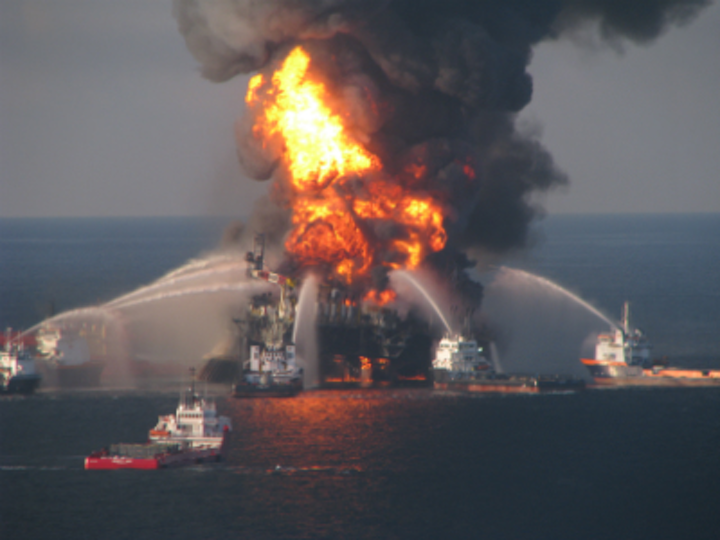 Deepwater Horizon on fire in the GoM.
