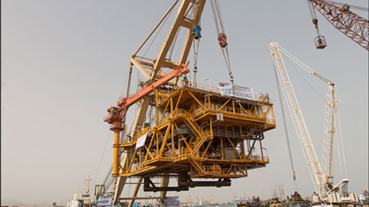 South Pars topsides for the oil layers