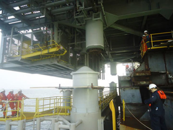 Floatover at DSO Escravos offshore West Africa