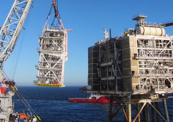 Alder topsides module heavy lift onto Britannia BLP.