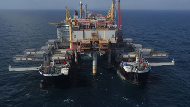 Pioneering Spirit moves in to remove the Yme MOPU