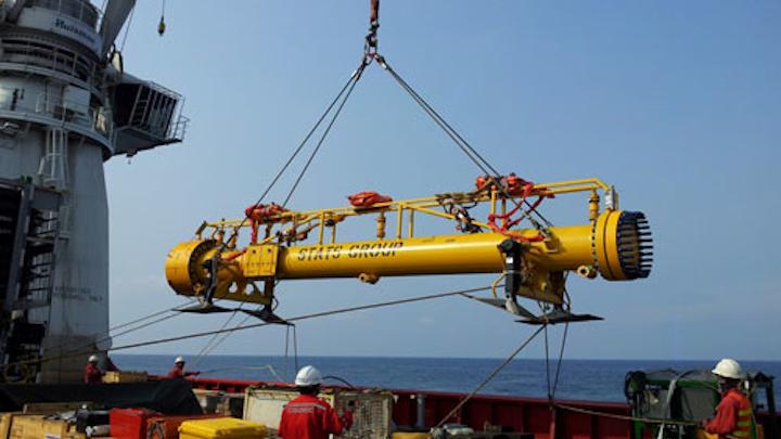 Subsea flangeless launcher