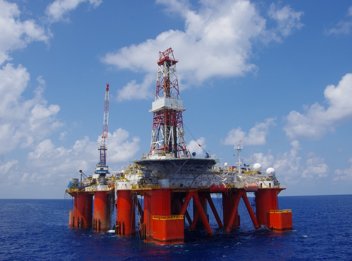 Hakuryu-5 semisubmersible drilling rig