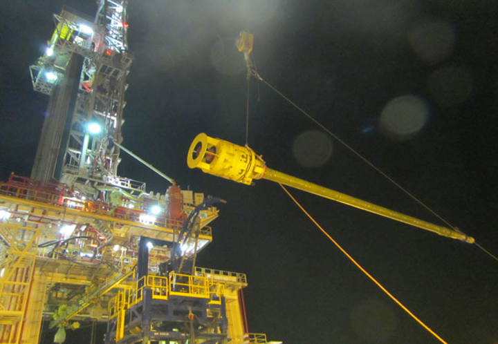 Moho Nord production riser installation