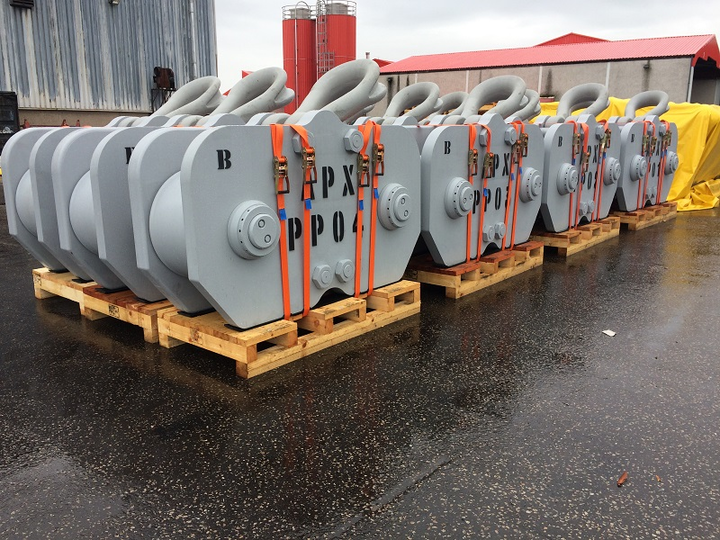 H-Links ready for load-out at InterMoor's facility in Aberdeen