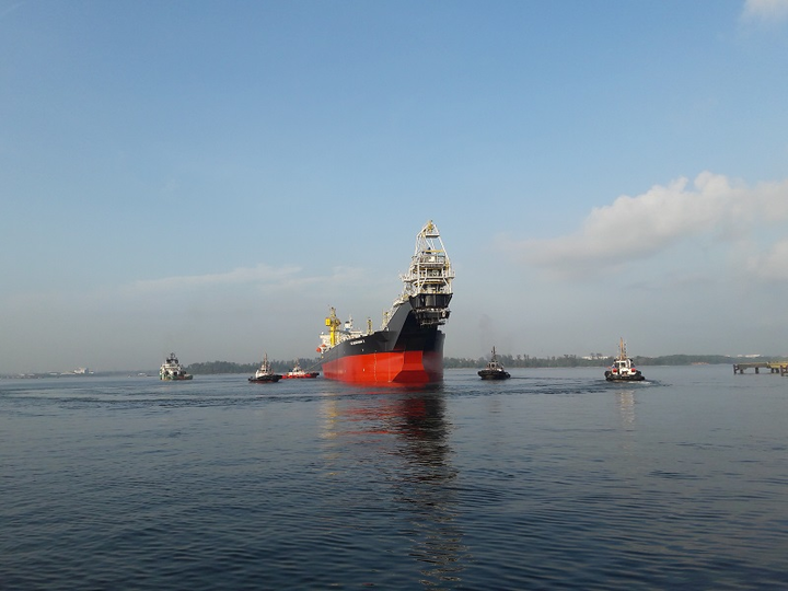 Towing of the FSO Benchamas 2 to the Gulf of Thailand