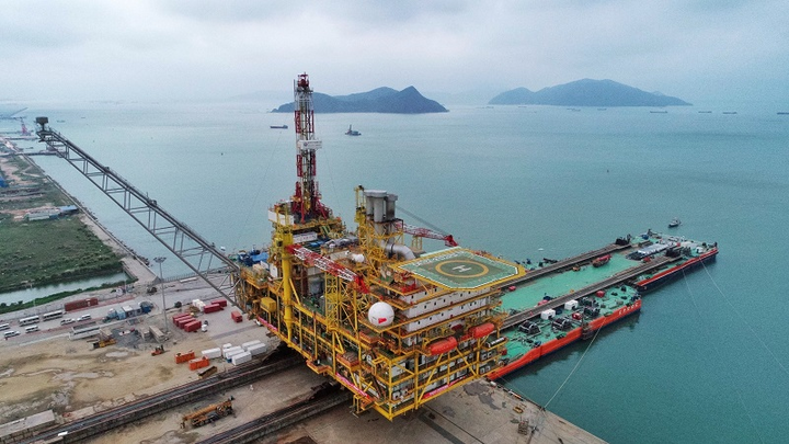 Central platform for CNOOC's Dongfang 13-2 gas fields development project