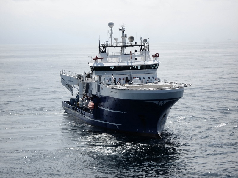 The dive support vessel Rever Sapphire