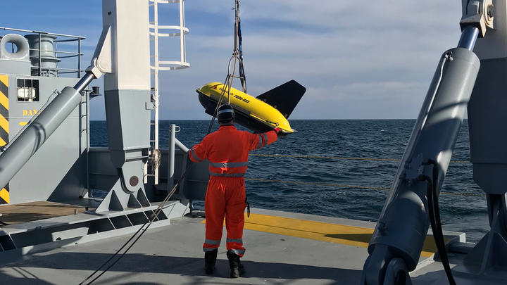 A towed side-scan sonar and sub-bottom profiler solution was deployed in the Black Sea.