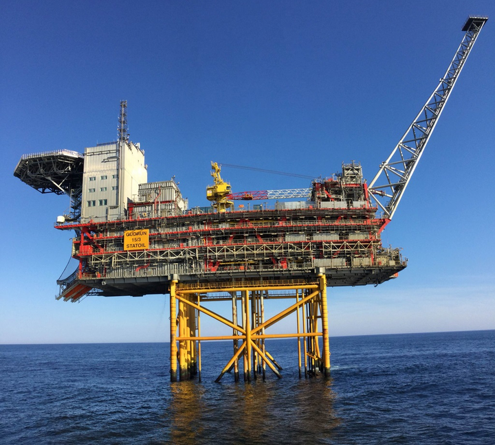 The Gudrun platform has capacity for partial treatment of oil and gas.