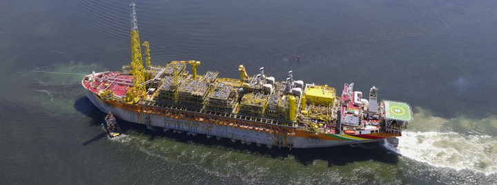 The FPSO Liza Destiny departs from Singapore where the conversion of the hull, as well as the construction and integration of the topsides, took place.