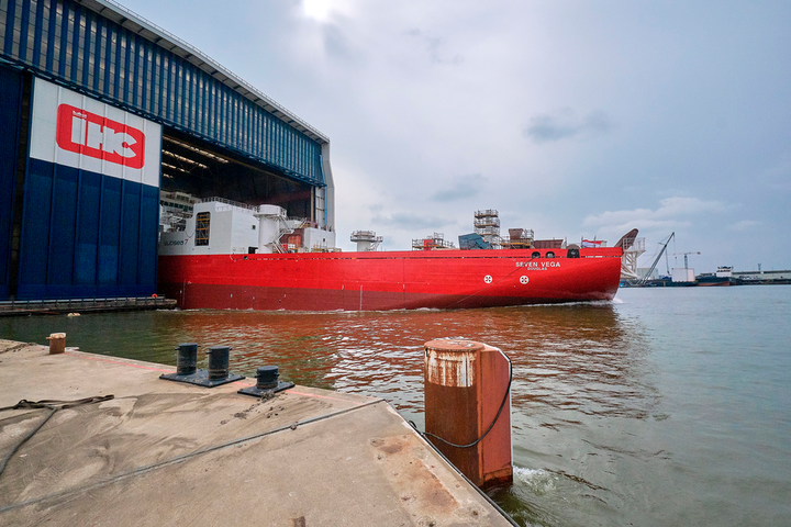 The newbuild reel-lay vessel Seven Vega is undergoing outfitting and testing ahead of scheduled delivery in early 2020.