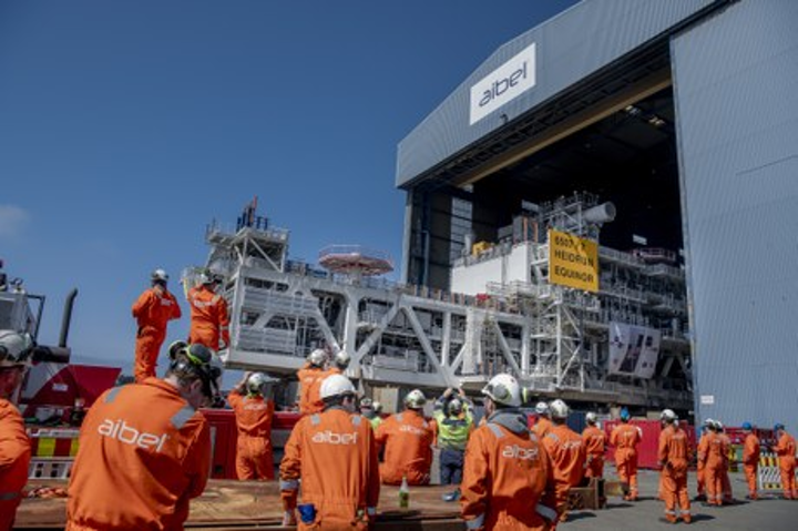 Load-out of the M40 module for Wintershall Dea's Dvalin project.