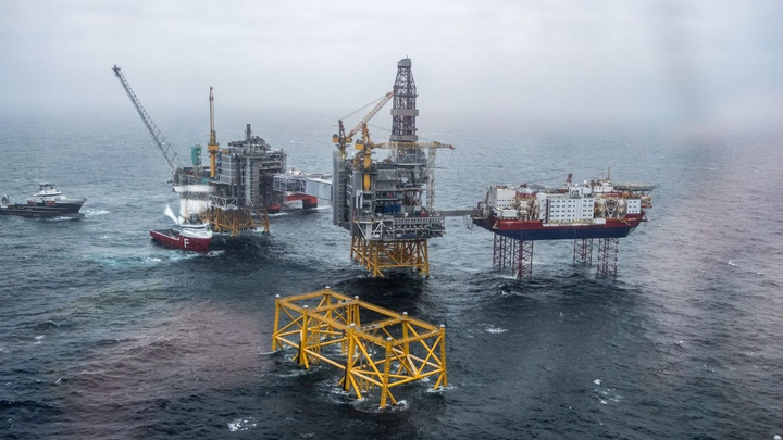 Currently 21 development projects are progressing: 14 in the North Sea, six in the Norwegian Sea, and one in the Barents Sea, according to the Norwegian Petroleum Directorate.