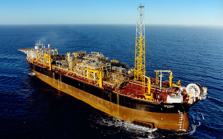 The FPSO Cidade do Rio de Janeiro had been out of operation since 2018 and is departing the Espadarte field location.