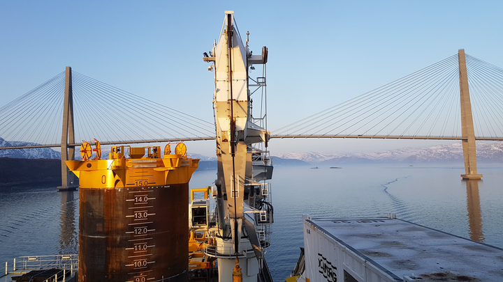 Suction anchor and template from Aker Solutions in Sandnessjøen passing the Helgeland Bridge.
